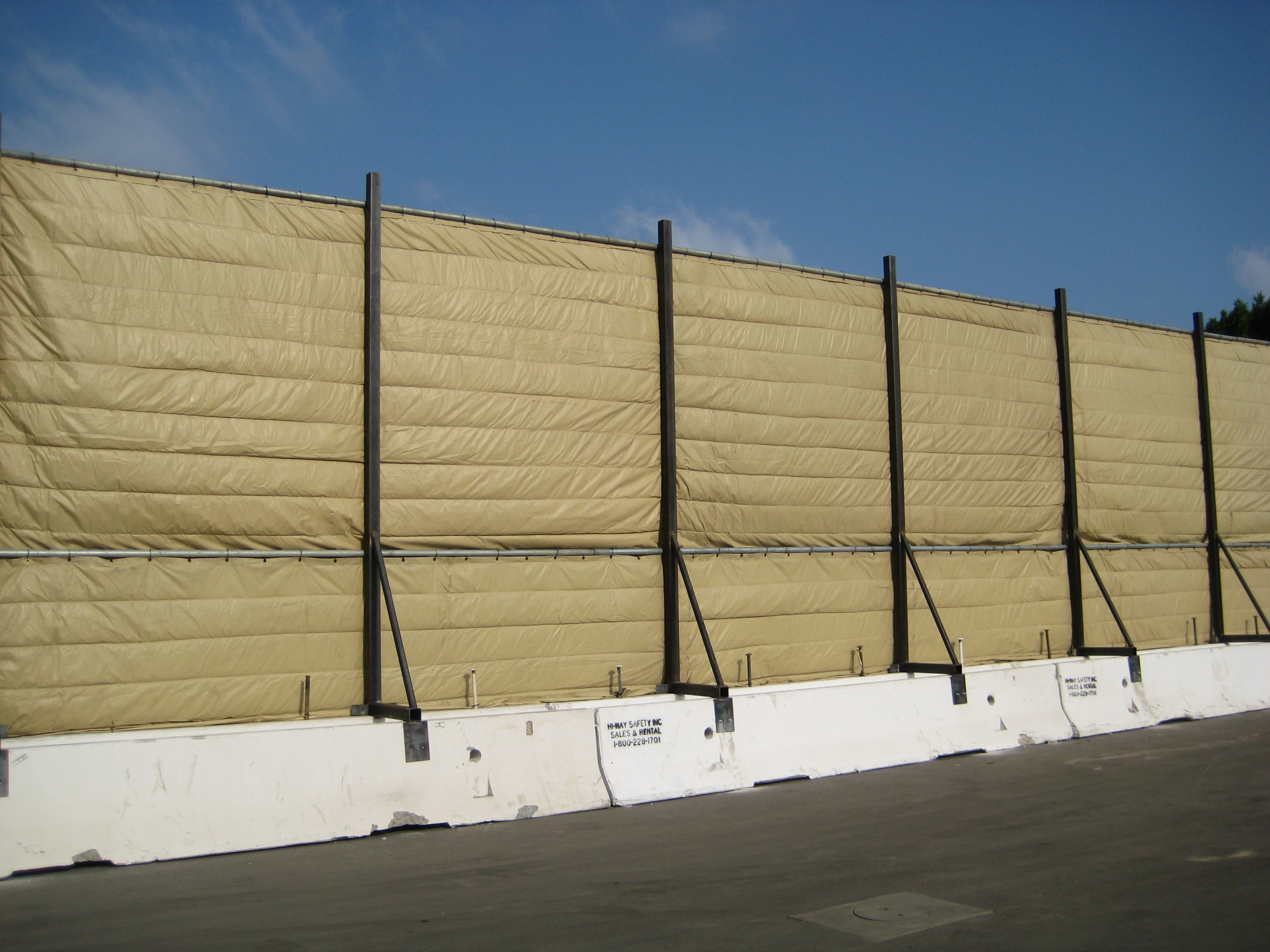 Temporary Walls Construction : K rail mounted temporary sound wall environmental noise